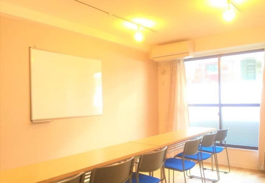 【Spacee提携店】⭐️安心の完全個室⭐️リノベーション済みの清潔な空間・シューベルト会議室