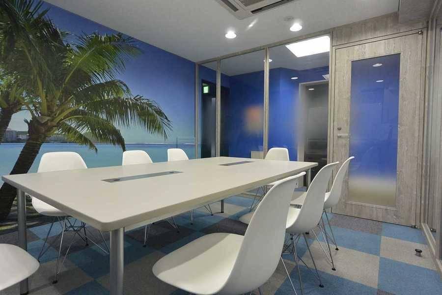 御成門駅徒歩2分のミーティングルーム(~8名)静かな会議室。ホワイトボード・Wifi無料。プロジェクター完備(オプション)。軽食可。