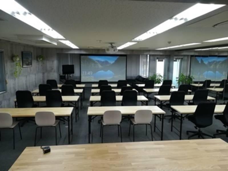 大阪本町、阿波座、西大橋 セミナーも、Web会議システムも、多様に使えるレンタルスペースdemokura