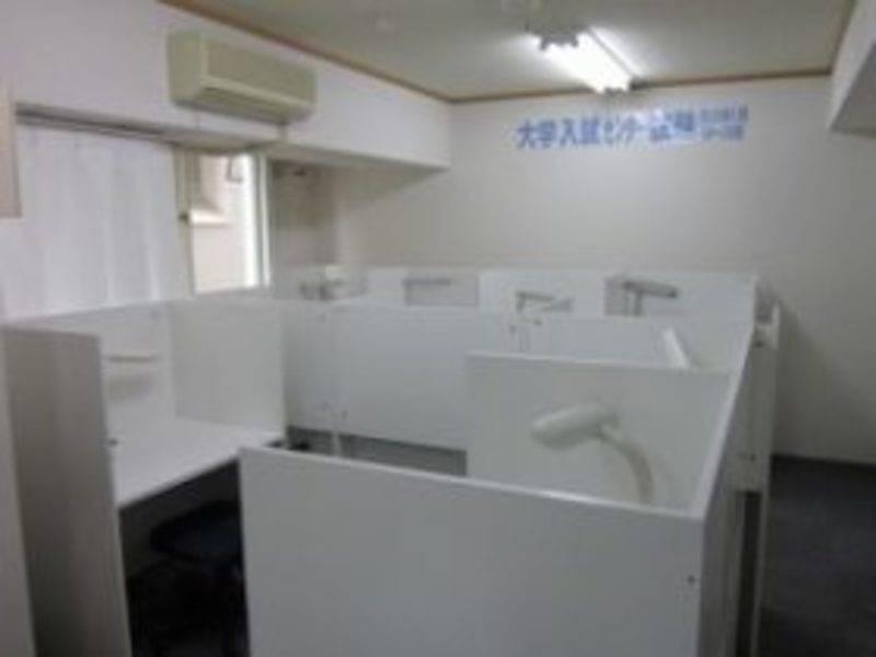 【本八幡駅2分】《3席》コワーキングスペース