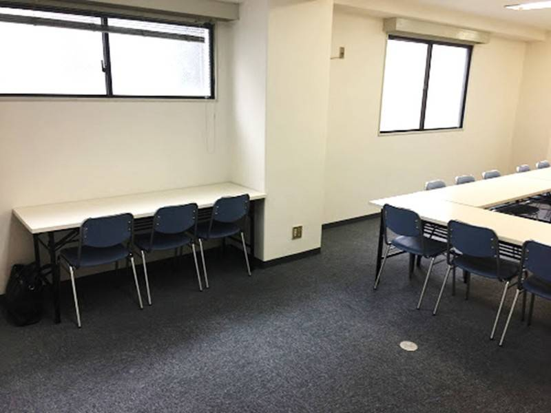 ハロー貸会議室新大阪コスモビル 3階
