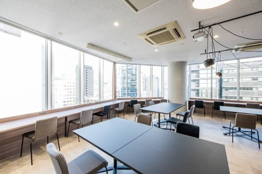 【fabbit銀座】コワーキングスペース!会議室(4人)