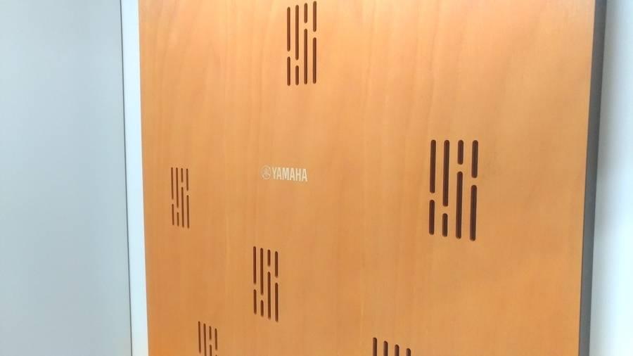 【新橋駅直結】~TV会議・作業・商談に~ TV会議機材を搭載したワークブース02ウッド 1H350円 (収容人員1名)《中に入ると世界と繋がるワークブース》営業時間が伸びました!!