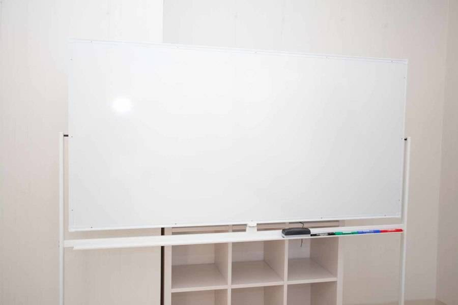 仙台駅より徒歩圏内!【Wi-Fi,プロジェクター,ホワイトボード完備】フリードリンクあり!駐車場隣接!