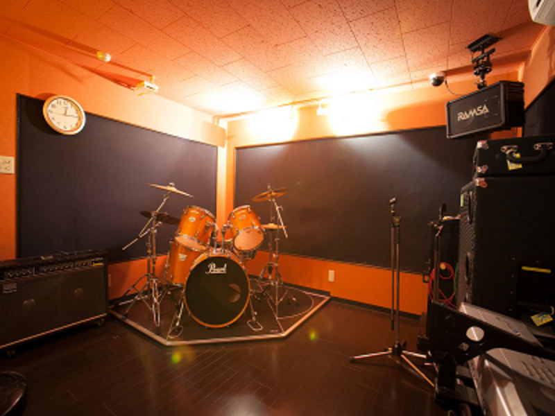 京都・長岡京市唯一の音楽スタジオ、ロックに最適な設備
