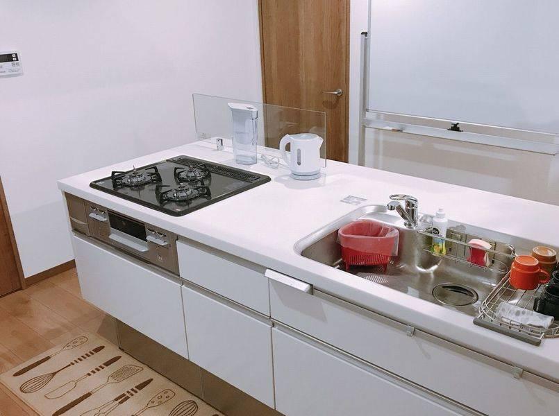 キッチン付きオシャレなリノベスペース!(セミナー・会議室・体験教室・交流会・パーティー・作業場・事務所などの利用に最適!)の写真