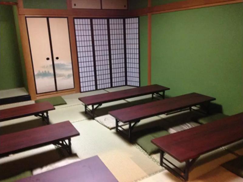 【なんば駅徒歩4分】24時間営業✨一軒家 <食事会・着付け教室・お子様連れもOK> ルームB 和室