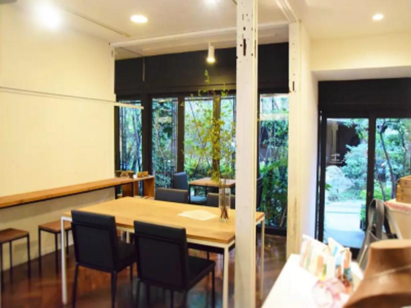 恵比寿 古民家をリノベーションしたカフェ 落ち着いた雰囲気で個性的な企画を【ロケプラン】
