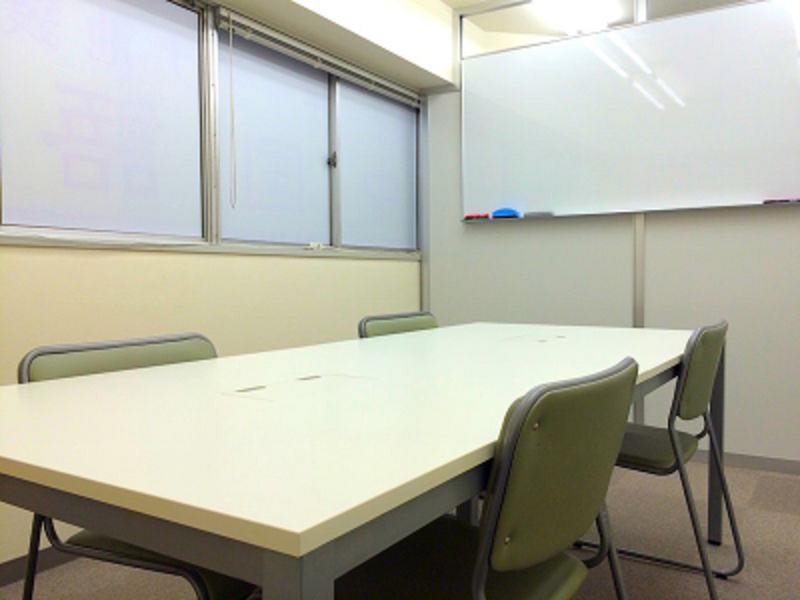 【池袋駅西武口3分】ホワイトボード無料!貸し会議室(〜7名)(C) 長時間割引&直前料金ありの写真