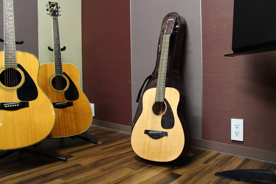 【渋谷駅徒歩7分】ヤマハの音楽練習室 ROOM7 ―手ぶらで楽器練習!昼休みやお仕事帰りにどうぞ。ギターやウクレレを無料レンタルできます。