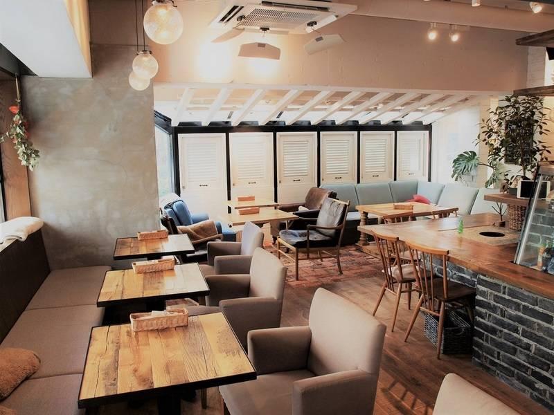 六本木駅すぐ!会議や各種パーティーに一軒家風カフェをスペース提供
