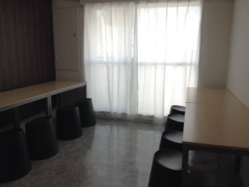 【名古屋駅徒歩3分】明るく、清潔、静かな会議室『K+となり』