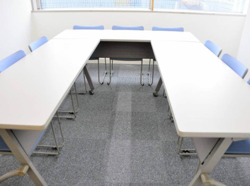 【八王子】駐車場完備!年中無休!9名用ミーティングルーム(小会議室B)