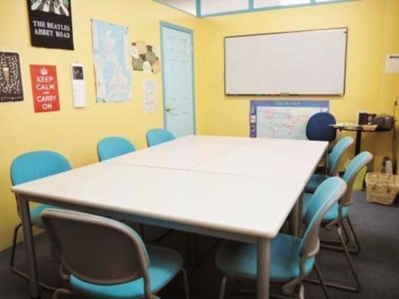 神戸・三宮 英会話学校内のスペース レッスンやチュータリング用 Room3