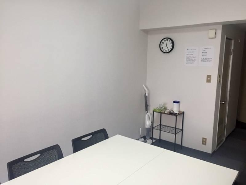【日本橋・茅場町 3~4分 | 東京駅 10分】 高速Wi-Fi・スマホ充電機完備  清潔な空間で会議・セミナーに最適 女性のみでも安心してご利用いただけます!(最大10人収容)#清潔スペース《早朝6:00~深夜24:00 営業中》