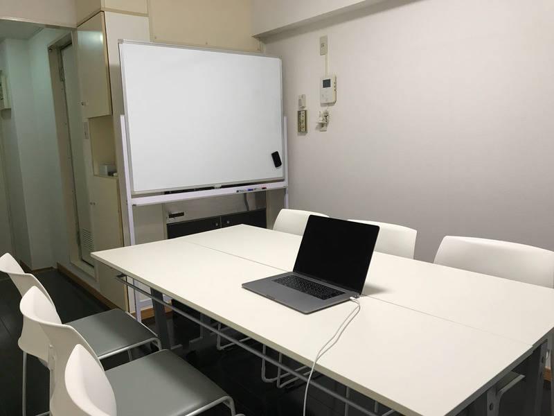 四谷三丁目駅徒歩2分!高速WIFI、ホワイトボード、モニター無料。机を片付けて広く使えます。SOHO、セミナーや個人レッスン、静かな環境で商談、面接や学習場所としても最適。利用法はあなた次第。