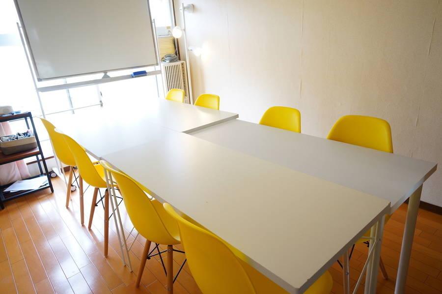 <マリー会議室>8名収容!名古屋駅から徒歩5分♪wifi/ホワイトボード/プロジェクタ無料