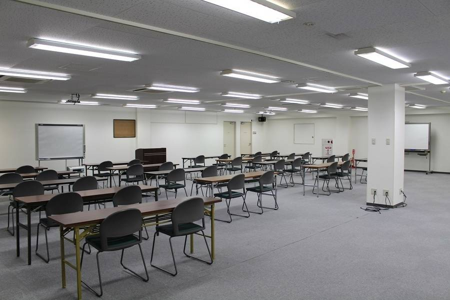 青葉台 カラオケコート・ダジュール3階 講義室の写真