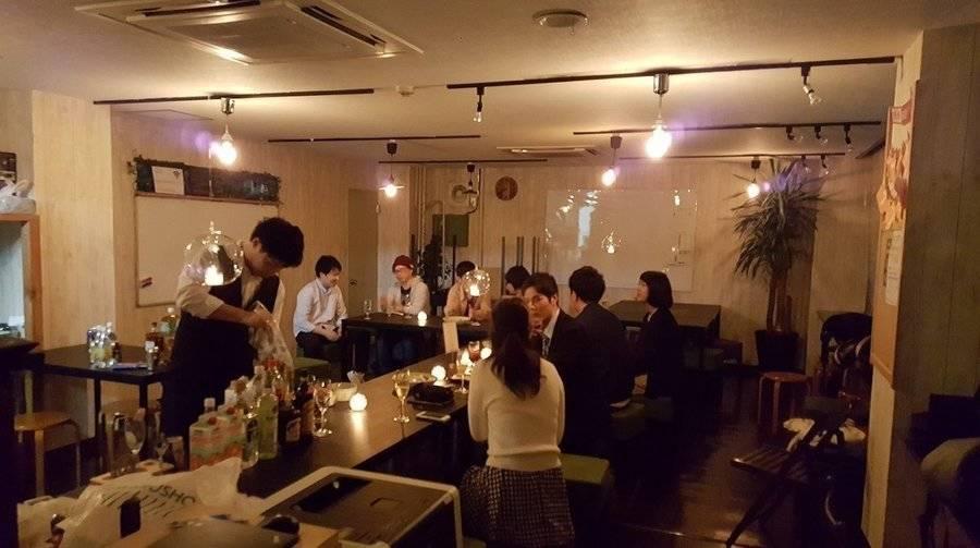 【新宿すぐ】会議や懇親会に最適な電源WIFI付カフェスペース