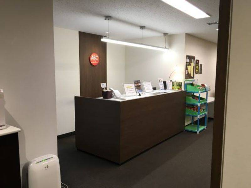アットビジネスセンター池袋駅前別館の「ひとり会議室」 ※貸会議室の空室を利用したワーキングスペースです。