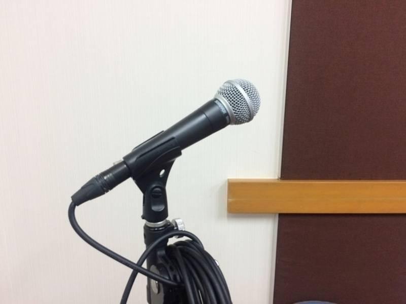 【新橋駅すぐ/防音】合唱やアンサンブルにー 5名までご利用いただけます。鏡もある、すこし広めの部屋【ヤマハの音楽室・銀座アネックス M4】