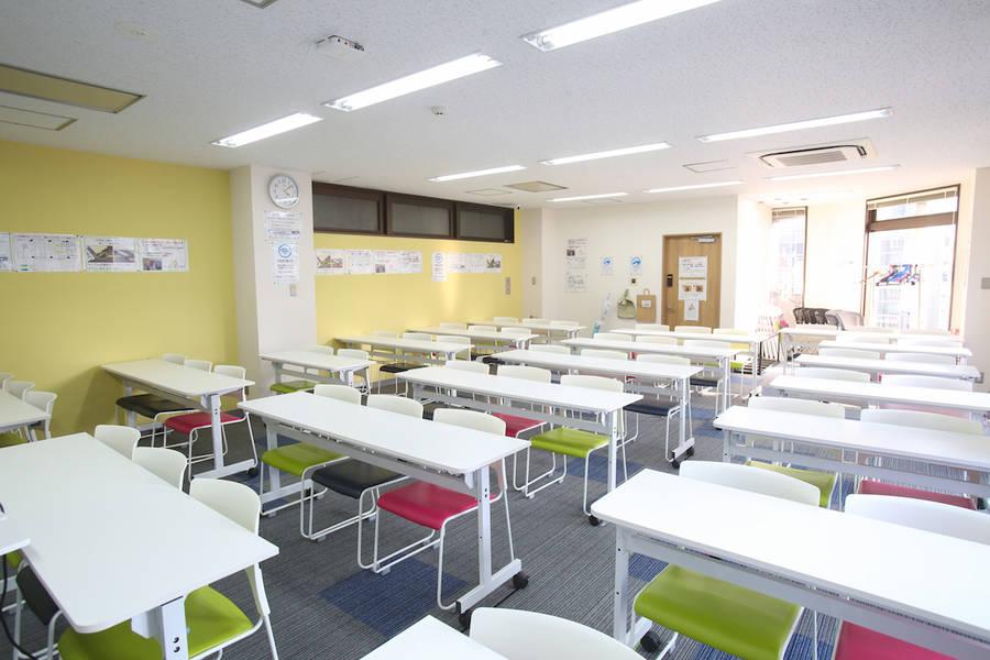 【天神駅徒歩2分】最大60名収容可 全ての備品・Wi-Fiが無料!701会議室