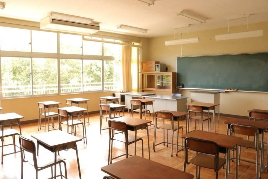 【教室A】学生時代にタイムスリップしたかのうような廃校の教室で撮影ができます ☆法人のお客様☆の写真