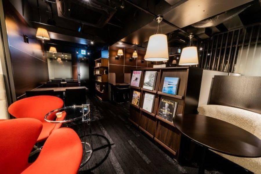 【MAXIS STUDY LOUNGEコワーキングスペース】東京メトロ「表参道駅」(A4出口)徒歩3分ハイクオリティなコワーキング・自習スペース (席単位予約)