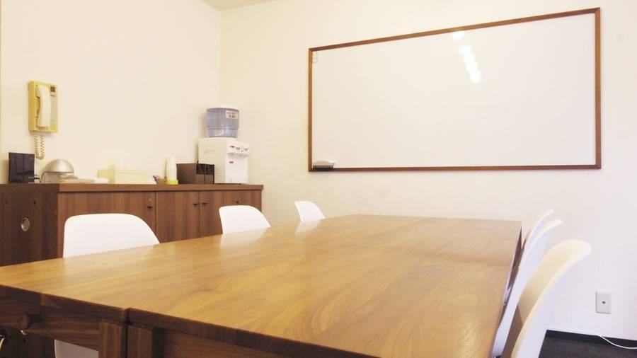 表参道骨董通り沿いの個室レンタルスペース アップライン貸会議室
