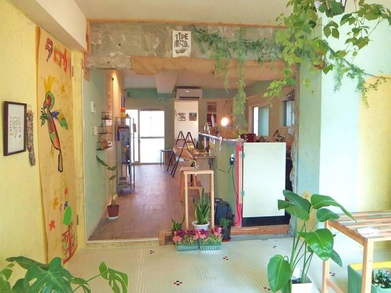 福岡天神から徒歩圏内、最大40名収容、ソファでゆったりお洒落レンタルスペース「タロカリ」