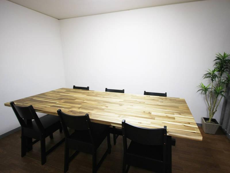 【大久保駅徒歩2分】個室レンタルスペース!WiFi プロジェクター無料!8人までOK!個室MTGや着付教室に