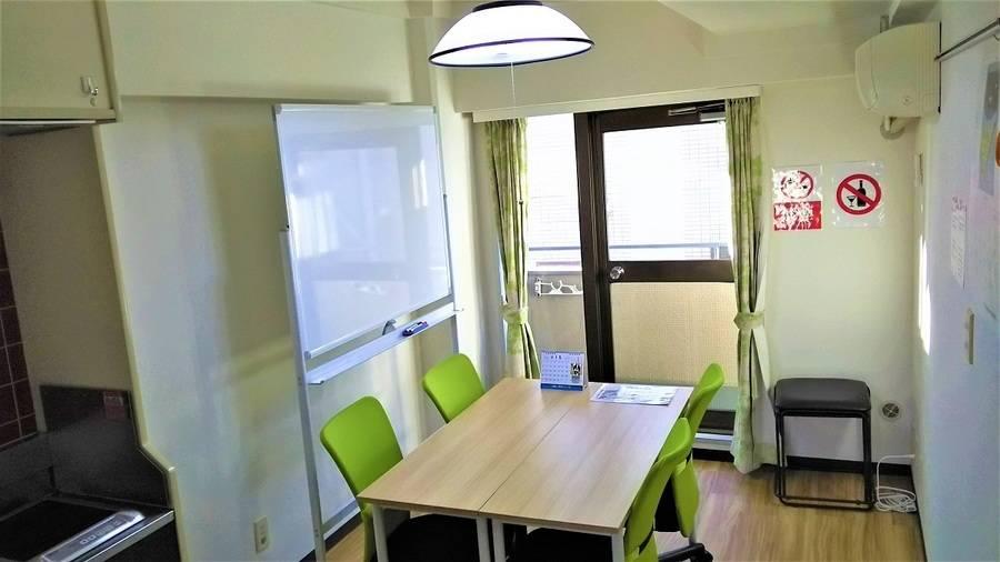 【西荻窪 徒歩1分】清潔な完全個室でミーティング、スタディ、レッスンなど多目的なご利用が可能なスペース ホワイトボード完備です!
