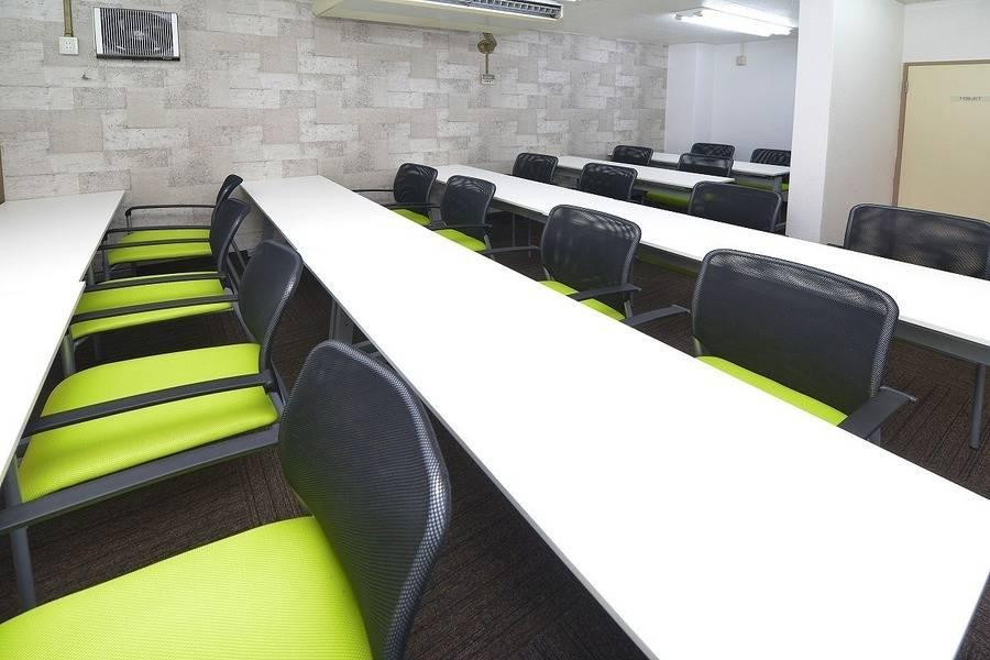 NANA会議室【神田】最適16名まで / 最大20人収容可能!モニター常設 / Wii設置でパーティ利用にもおすすめ♪ /ビジネスからプライベートまで幅広い用途でご利用頂けます