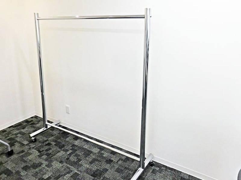 新橋・虎ノ門駅 65名用貸し会議室 プロジェクターセット・マイク等全て無料!