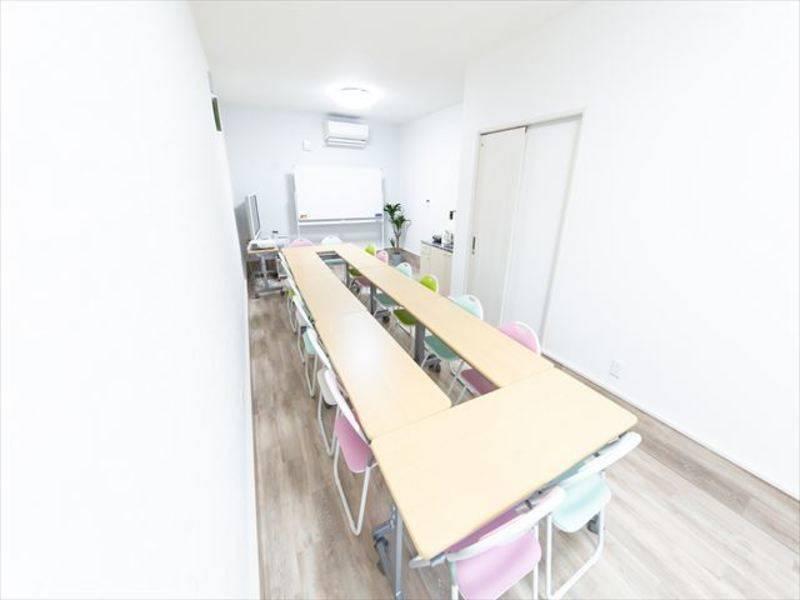 鶴橋New Open! 千日前通りに面した新築路面店!キッチン付き、会議、打ち合わせ、レッスン、オフ会、パーティ等多目的に利用可