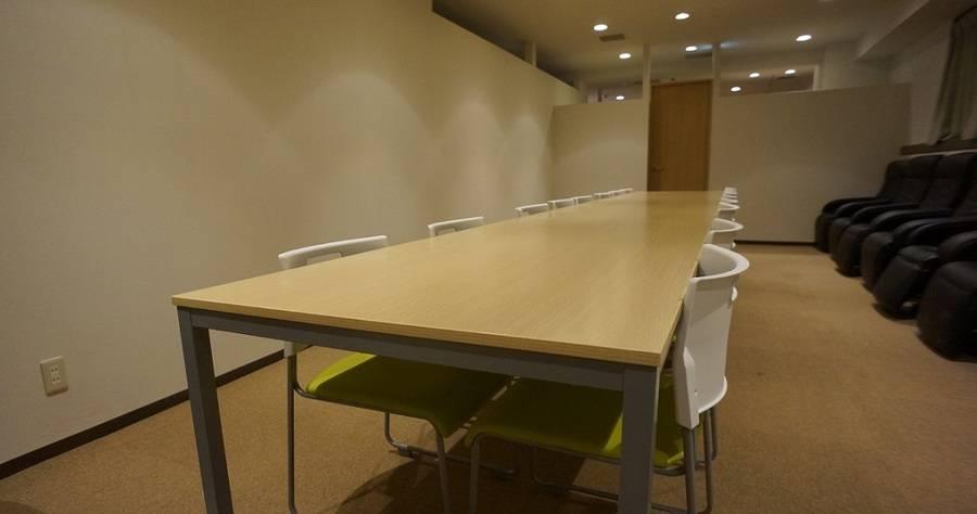 【浅草橋駅前ラゲージルームカフェ】飲食持込み可の個室フリースペース 会議はもちろんオフ会、ボードゲーム、各種スクールにも!