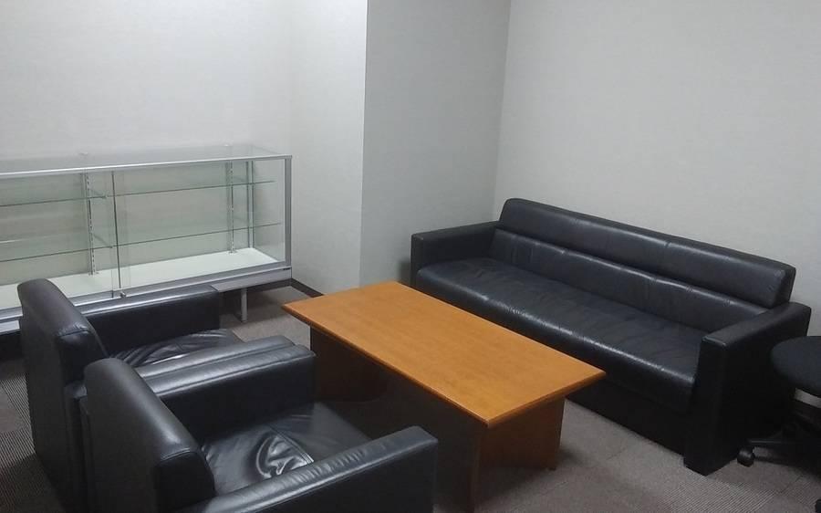 上野御徒町駅から徒歩4分 応接室(5名)★4席の会議室から42席の大会議室まで全6室