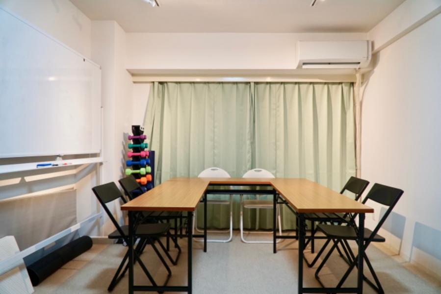 コスパ良し!【渋谷駅マークシティ、道玄坂からすぐ】会議、フィットネス、セミナー、多目的利用可能な完全個室!