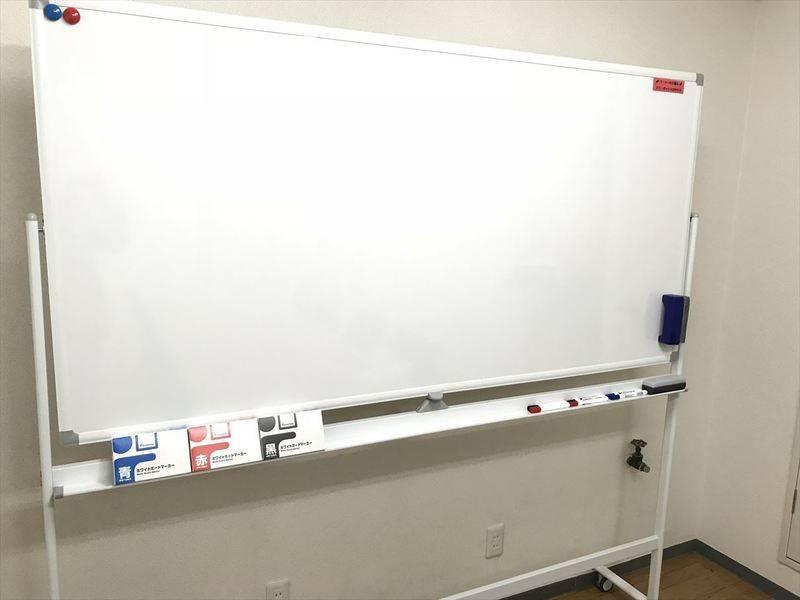【新橋駅から徒歩30秒!】プロジェクター完備の会議室 Wi-Fi・大型ホワイトボード【シンバー・ファイブ】