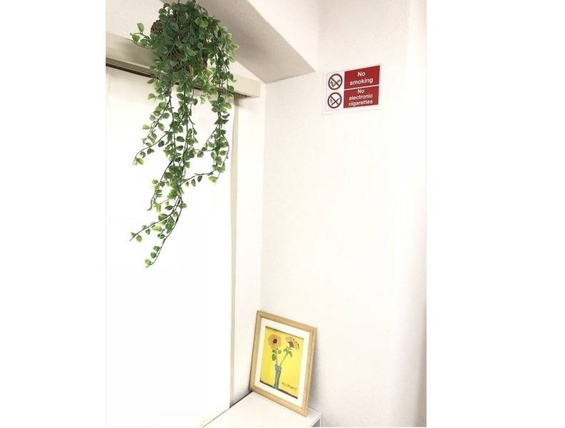 【新品エアコン設置記念・大幅割引中】プロジェクター完備の会議室 Wi-Fi・大型ホワイトボード【シンバー・ファイブ】