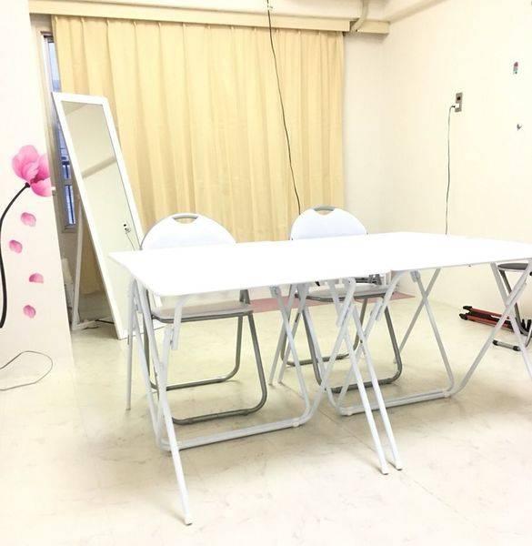 【新大阪徒歩7分 西中島徒歩2分】10名収容☆女性の交流会、勉強会、セミナーに最適!水道、トイレ室内完備