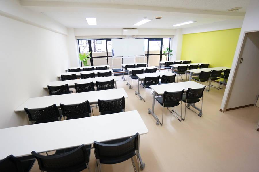 <ゲルプ会議室>⭐️32名収容⭐仙台駅より徒歩5分♪wifi/ホワイトボード/プロジェクタ無料
