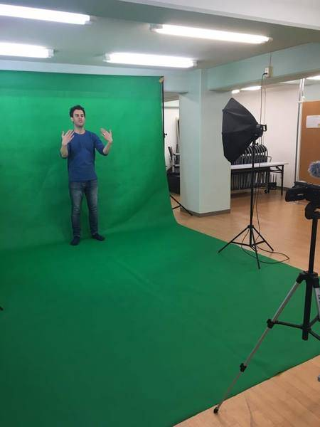 【スタジオトップクラス】広々スタジオ!wifi、机、椅子、鏡、平台すべてそろってます!撮影・会議・セミナー・商談・レッスン・イベントなどに!