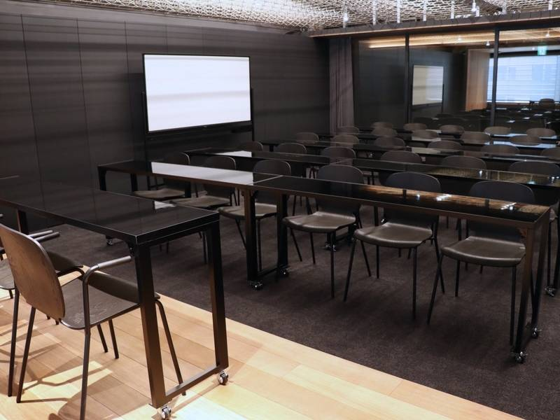 【東京メトロ上野駅3番出口から徒歩1分】完全貸切スペース最大30名入室!撮影、セミナー、イベント会場に最適!電源Wi-Fiあり(Lab X)