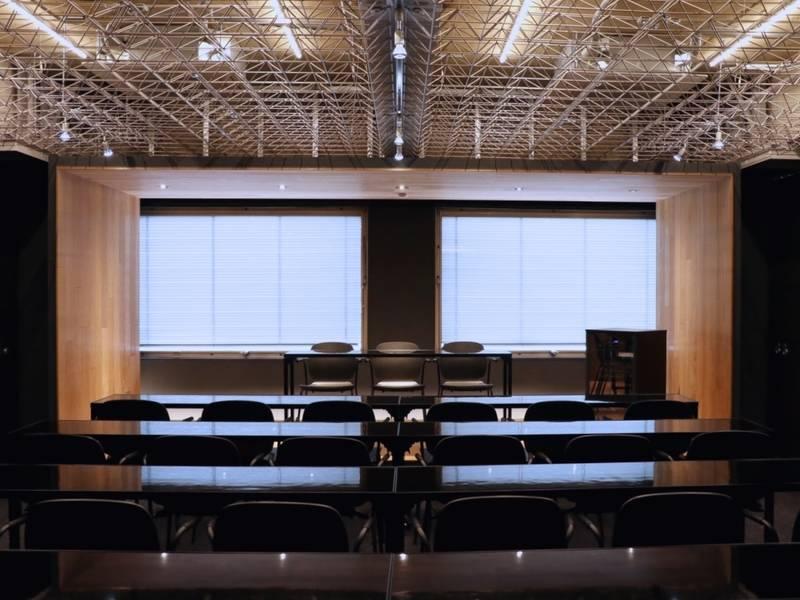 【東京メトロ上野駅3番出口から徒歩1分】完全貸切スペース最大30名入室!撮影、セミナー、イベント会場に最適!電源Wi-Fiあり(Lab Z)