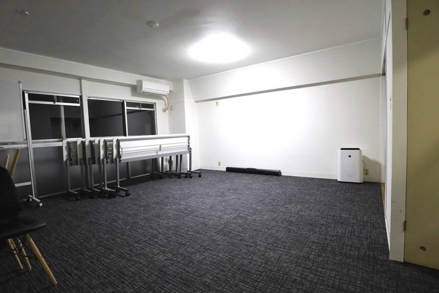 博多駅から徒歩3分♪気軽に使えるスペース♪プロジェクター、空気清浄機、ホワイトボード利用無料。博多11