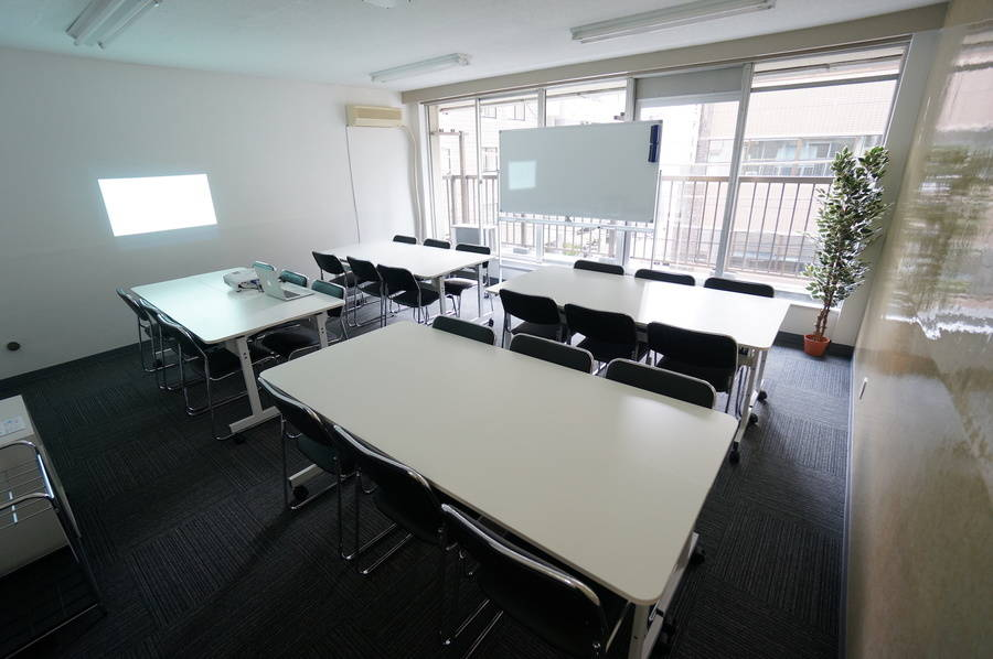 <SAKURA SPACE 神田>神田駅より徒歩5分♪wifi/プロジェクター無料!会議/セミナー
