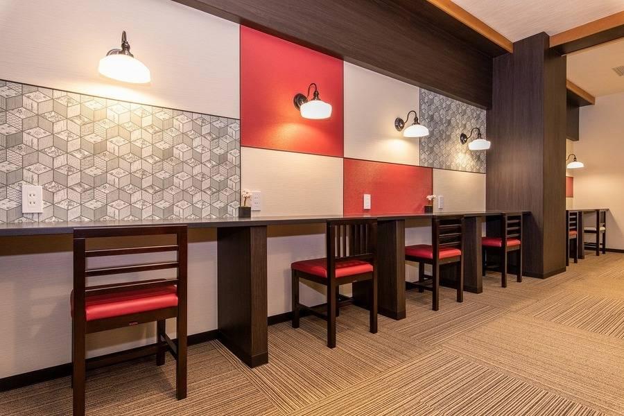 京都四条烏丸オフィス6名用会議室#完全個室#高速インターネット#Wi-Fi完備#ホワイトボード#テレワーク#WEB会議