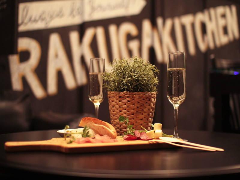 【RAKUGAKITCHEN】クリスマス仕様のおしゃれなキッチン付貸しスペース!子連れママ会にも!(国分町・仙台)