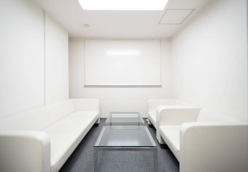 【アクセス最高】新橋・汐留駅より徒歩2分♪ 4名会議室 Wi-Fi無料